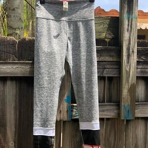 New with tag pink leggings